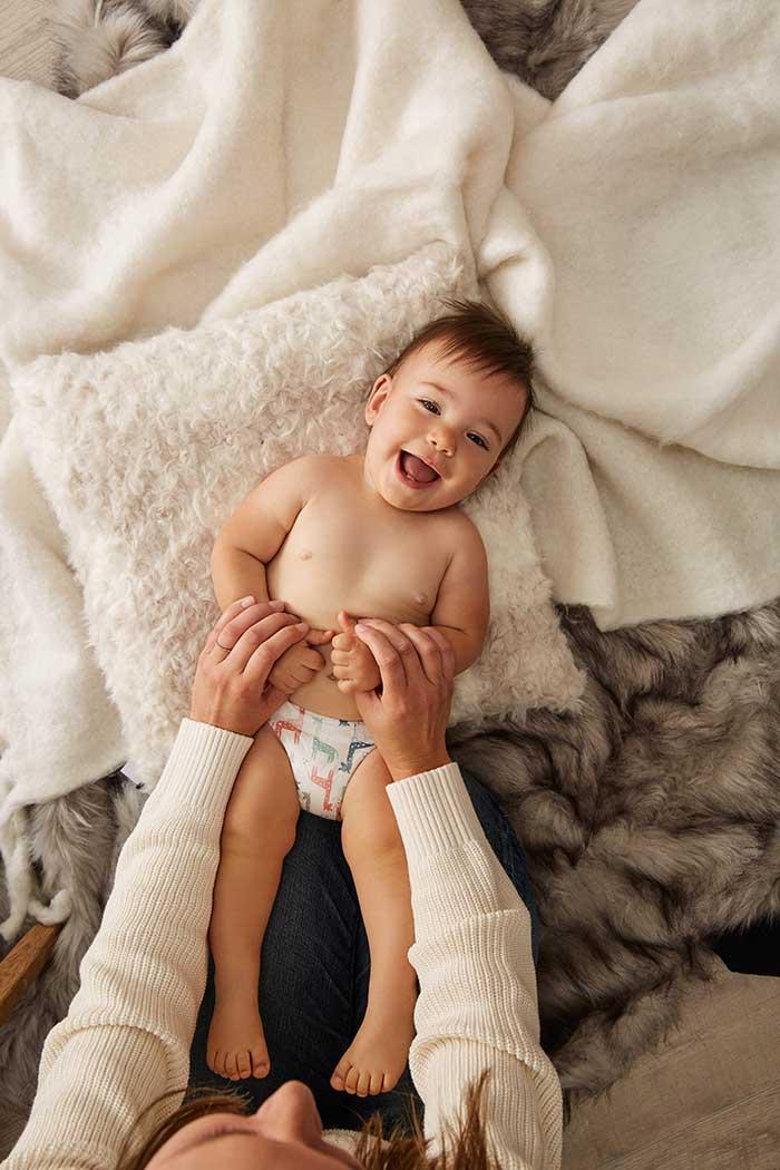 Масаж и гимнастика на бебе